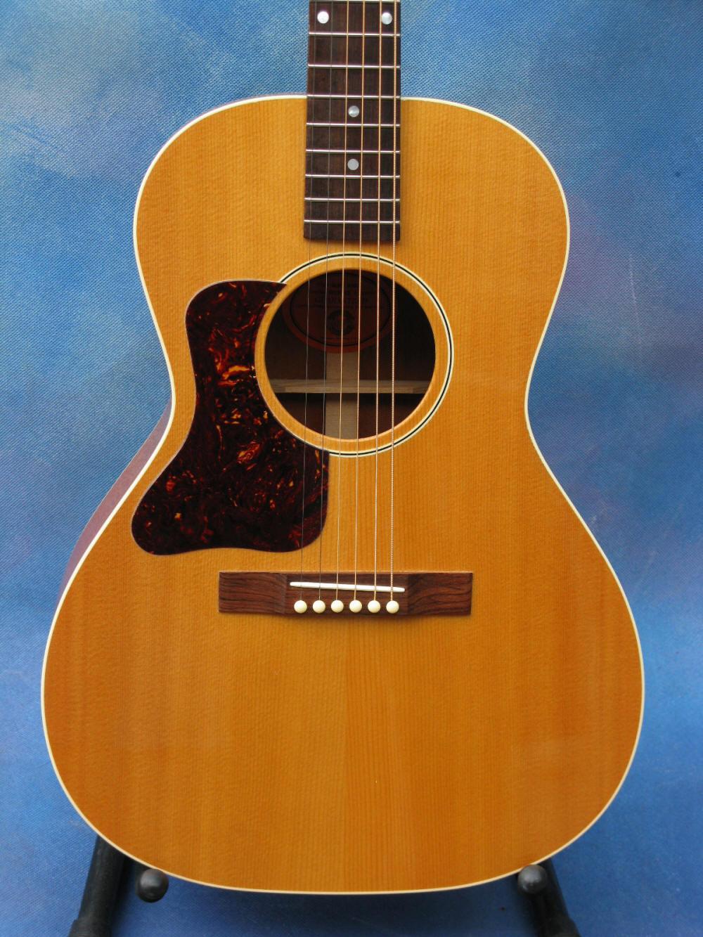 Guitares format Parlor - Page 5 Bluesk66